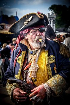 "The ""sweet trade"". a fine source of pre-owned finery and excellent Caribbean smokes. did I mention the island rum? Pirate Garb, Pirate Wench, Pirate Costumes, Pirates Cove, Pirate Theme, Pirate Birthday, Black Sails, Pirate Life, Jolly Roger"
