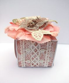tutorial on how to create a cute little gift box