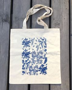 Tote bag with berries Cotton tote Garden tote bag Handmade tote Forest plants tote Blue tote Gift Screen printed tote No to plastic Diy Tote Bag, Tote Bags Handmade, Reusable Tote Bags, Printed Tote Bags, Canvas Tote Bags, Screen Printing, Forest Plants, Forest Garden, Leather Wallets