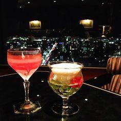 Instagram【hikarothko】さんの写真をピンしています。 《Friday night🍸🌙✨✨ #japan #hiroshima #hotel #bar #cheers #friday #nightview #cocktails #friends #jazz #talk #awesomeday #beautifulnight #haveaniceweekend #日本 #広島 #リーガロイヤルホテル広島 #夜景 #カクテル #乾杯 #ジャズ》