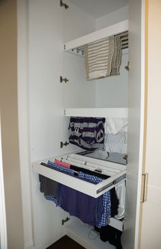 Laudry Room Dry racks ES Can I Order Crocs Shoes Online? Laundy Room, Room Remodeling, Laundry Room Design, Drying Room, Laundry In Bathroom, Home Decor