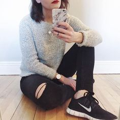 Compléter son #ootd avec des sneakers et du rouge à lèvres = OUI   On aime ton look inspirant @sgbrancoli  #lookdujour #ldj #sneakers #nike #redlips #lipstick #ootd #outfitideas #outfitinspo #upgrade #inspiration #regram  @sgbrancoli