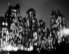 Ted Croner - Central Park South, c.1947 - Howard Greenberg Gallery
