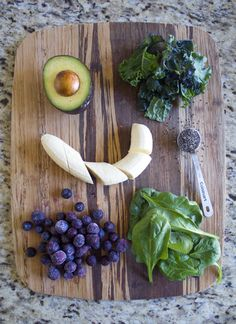 """""""Green"""" Super Smoothie   A green smoothie with a blueberry twist!"""