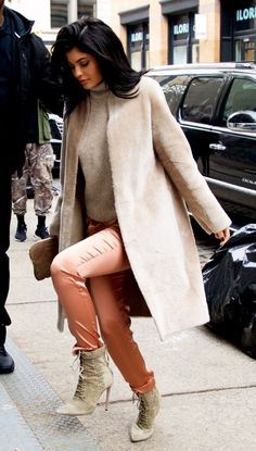 Kourtney Kardashian and Kylie Jenner take NY in stylish furry coats