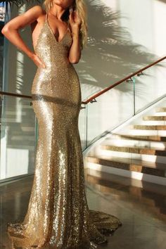 51b6f3916b 2019 Sexy Sequined Mermaid Evening Gowns Gold Backless Halter Party Dresses