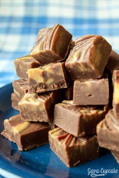 Easy Peanut Butter Swirl Chocolate Fudge | JavaCupcake.com
