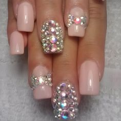 In love with this design!  (Minus the ring finger nail)