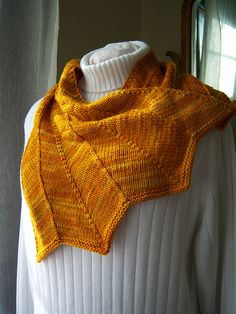 Heulwen Cowl pattern by Abigail Phelps. malabrigo Rios, Sunset color.