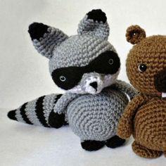 http://wixxl.com/free-raccoon-bandit-amigurumi-crochet-pattern/ Free Raccoon Bandit Amigurumi Crochet Pattern