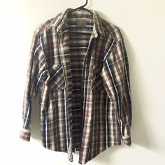 St. John's bay oversize plaid flannel shirt Perfect condition!! Great with a short shorts!! And leggings!! Heavier and sturdy quality for that jacket feel St. John's Bay Tops Button Down Shirts