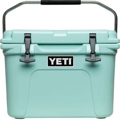 The YETI® Roadie® is BYOB's new best friend. Its ColdLock™ Gasket is built just like the Tundra®'s, so ice stays colder longer, and its No Sweat™ Design means you'll never be stuck mopping up a mess.
