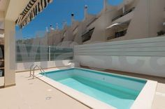 Akivillas Albufeira Pearl II Albufeira Akisol Albufeira Pearl II is a villa with a terrace, situated in Albufeira, 2.9 km from The Strip - Albufeira. Offering free private parking, the villa is 3.3 km from Oura Beach. The kitchen is equipped with a dishwasher and an oven.