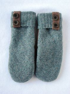 Hey, I found this really awesome Etsy listing at https://www.etsy.com/listing/174889673/womens-wool-mittens-crafted-from-a