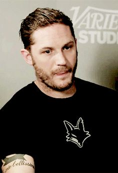 Tom Hardy biting / licking his juicy lips gif and omg let me help you with that please ❤❤❤ SEXY
