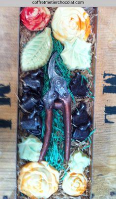 Coffret fleuriste paysagiste en chocolat  Www.Coffretmetierchocolat.Com Art, Landscape Planner, Casket, Chocolates, Art Background, Kunst, Gcse Art
