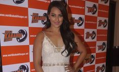 Sonakshi Sinha Buys Kabbadi Team; To Challenge Akshay Kumar & Yo Yo Honey Singh - http://www.yoyohs.com/sonakshi-sinha-buys-kabbadi-team-to-challenge-akshay-kumar-yo-yo-honey-singh/Actress Sonakshi Sinha has now turned a businesswoman by investing in a Kabaddi team at World Kabaddi League. Recently she unveiled her team which has been named United Kings.. Sona darling feels in India only cricket gets highlighted and no other sports get its due importance. Interestingly,...