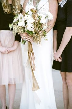 Earthy yet elegant bridal bouquet with lots of texture.    #weddingflowers