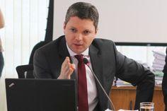 O ministro da Transparência, Fiscalização e Controle, Fabiano Silveira, deixou na noite desta segunda-feira (30) o comando da pasta.