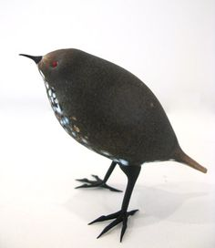 Shane Fero,  A Little Brown Bird  flameworked, acid etched glass