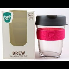 NEW Keep Cup brew 12 ounce reusable coffee cup New in box. This keep cup brew band is the perfect way to enjoy the craft and sensory pleasure of specialty coffee. Durable, fully tempered, Soda lime glass. Polypropylene lid and plug are 100% recyclable. From the January 2015 popsugar must have box. Keep Cup Other