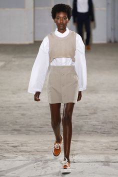 Julien David Spring 2018 Ready-to-Wear Fashion Show Collection