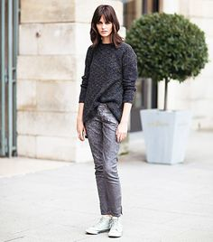 Who What Wear - Street Style Half Tuck + Chunky Knit Stockholm Street Style. - Total Street Style Looks And Fashion Outfit Ideas Who What Wear, Looks Style, Style Me, Stockholm Street Style, Vogue, Model Street Style, Models Off Duty, Classy Chic, Simple Outfits