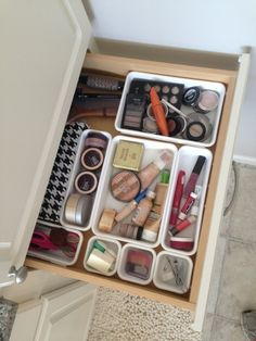 Bathroom Organization but could use this for any kinda of drawer... or just get Sweeps to help organize your home! http://www.sweeps.jobs