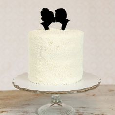 DIY Silhouette Cake Toppers  www.weddinggawker.com  Tons of great wedding ideas!