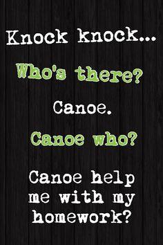 """Canoe significa canoa. Sua pronúncia é semelhante a """"can you"""", fazendo assim um jogo de palavras."""
