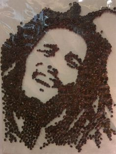 "Very cool idea Artist: friend of Jowil C. ""Here is an artwork i would like to share from a friend of mine, made from coffee beans, not as good as jamaican blue mountain coffee but surely it will keep you up. So stir it up! Coffee Love, Coffee Break, Coffee Coffee, Marley Coffee, Coffee Bean Art, Blue Mountain Coffee, Coffee World, Decoupage Vintage, Latte Art"