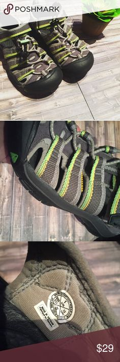 KEEN Boys Size 1 Excellent condition and well taken care of! Size 1, could be boys or girls. Keen Shoes Sandals & Flip Flops