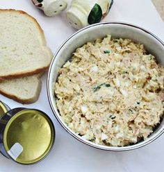 Salata cu ton, oua si cartofi Tuna Recipes, Potato Recipes, Salad Recipes, Healthy Recipes, Romanian Food, Pinterest Recipes, Breakfast Recipes, Main Dishes, Good Food