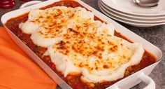 Tuck into this Easy Shepherd's Pie. It's packed with vegies! Thanks Six Little Hearts for this family favourite. Fall Recipes, Dinner Recipes, Easy Shepherds Pie, Sweet Chilli Sauce, Creamy Mashed Potatoes, Mixed Vegetables, Quiches, Tarts, Cooking Tips