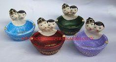 souvenir pernikahan gerabah asbak rokok desain manten khas jogjakarta #souvenir #asbak #jogjakarta #manten