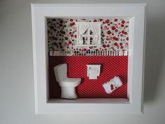 Quadro para lavabo, com fundo em tecido 100% algodão, peças em resina, toalha feita á mão e divisão dos tecidos com espelho.