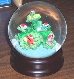 Frog Show Snow Globe