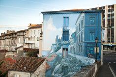 """""""La fille des remparts"""", une des fresques trompe-l'œil sur les murs d'Angoulême"""