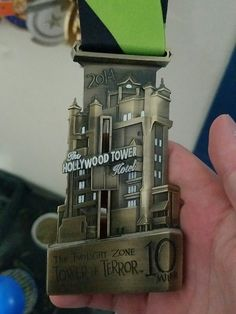 """#RunChat op Twitter: """"Q4: What's your favorite race medal? Post a pic if you want! #RunChat"""""""
