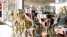 Vetrina P and P - Preziosi e Premiati #pandp #p&p #preziosiepremiati #preziosi #premiati #gioielli #gioielleria #orologi #orologeria #premiazioni #coppe #trofei #anniversari #lauree #sardegna #spaziosardegna