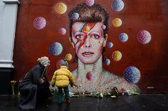 Addio David Bowie, l'omaggio dei fan a Brixton - Spettacoli - Repubblica.it