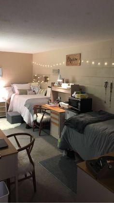 Dorm room 2017