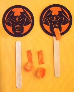 These bats cause double trouble -- as noisemakers and place cards.Print the Noisemakers and Place Cards Clip Art