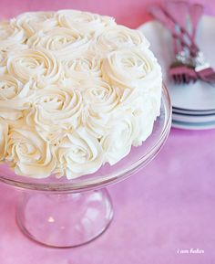This would make a beautiful Mother's Day cake!