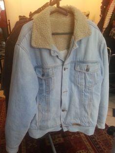 *Casaco Jeans forrado - M - R$40,00