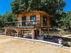 Atsipopoulo house rental - Underneath the tree house there's an area where you can sit& enjoy your holiday! Jacuzzi, Greece, Beautiful Places, Villa, Relax, Cabin, Explore, Treehouse, House Styles