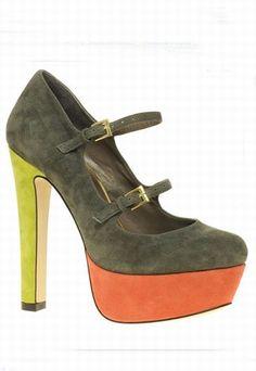 Los zapatos de tacón