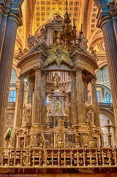 Catedral de la Ciudad de Puebla, Mexico This fotor doesn't do this justice- it is ALL GOLD!