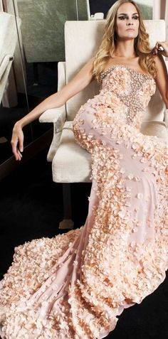 present you new Italian fashion brand by Amen Haute Couture Spring-Summer The collection features luxurious evening dresses 2013 styles of feminine Dior Couture, Couture Dresses, Couture Fashion, Couture Girl, Beautiful Gowns, Beautiful Outfits, Elegant Dresses, Pretty Dresses, Mode Glamour