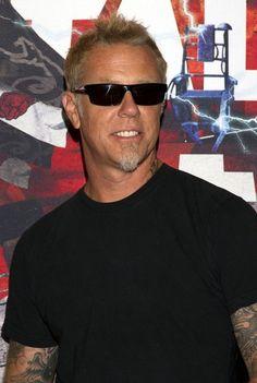 http://www2.pictures.zimbio.com/bg/James+Hetfield+Metallica+Goes+Mexico+2_5oJnfPC8dl.jpg